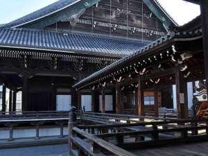 京都東本願寺前 山田屋旅館:宿を出れば目前に東本願寺