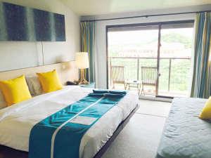 *デラックスシービュー(一例)/沖縄の海を思わせる、明るくシックな雰囲気のお部屋。