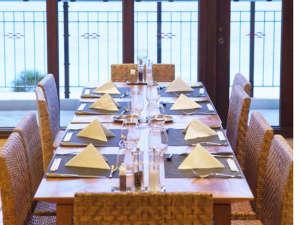*メインダイニング/海を眺めながら、お食事をお楽しみ下さい。