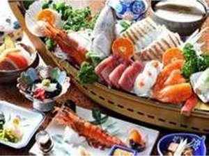 2名様用のお料理真鯛の舟盛(一例)