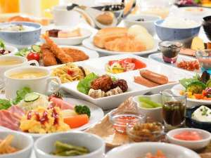 ハイパーホテルズ パサージュ:朝食バイキング盛り合わせ