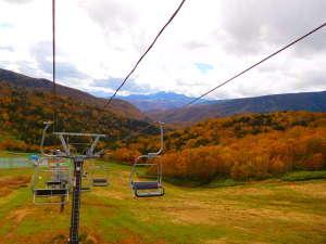 万座高原ホテル:万座温泉スキー場の紅葉リフト運営致します(片道¥400 往復¥700)