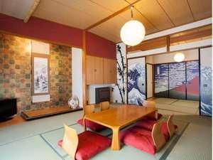 The Ryokan Tokyo YUGAWARA:10畳の和室に四畳半の前室がついた、余裕の6人部屋です。