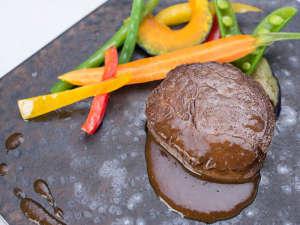 グレートアイランド倶楽部:*お夕食一例(洋食)/国産フィレ肉のロースト レフォールソース