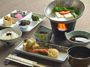おばな旅館 富貴亭:【朝食一例】和朝食。