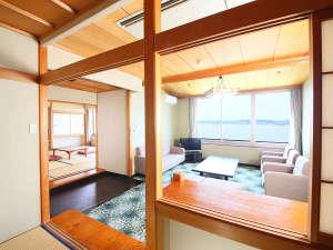 大江戸温泉物語 加賀片山津温泉 ながやま:和洋室 広々としたお部屋、家族皆でお寛ぎ下さい。