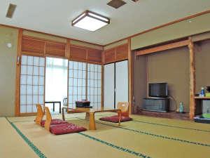 柳津温泉 つきみが丘町民センター:*のんびり心安らぐ畳のお部屋でお寛ぎください。(一例)