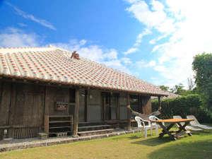竹富島そうりゃ:大正生まれ、築100年以上の本当の赤瓦古民家を丸ごと貸切にしました