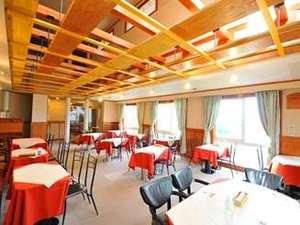 丘の上のホテル:眺めも良く開放感のあるレストラン