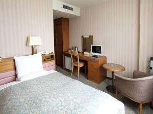 高崎ビューホテル:ゆったりのシングル17平米