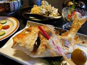 旅の宿 輝雲荘:鯛の塩焼き