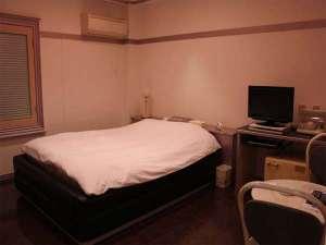 ビジネスホテル南国:洋室
