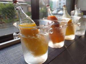 ホテルクリスタル広島:朝食のドリンクバーです。数種類ご用意しております。
