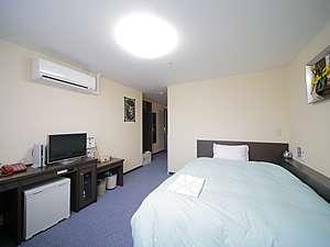 萩ロイヤルインテリジェントホテル:【ダブルルーム】は 1600mmベット!2名様までご利用頂けます。
