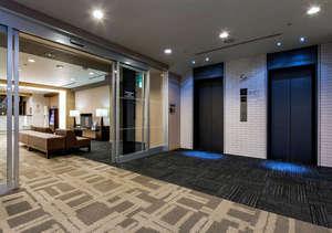 ダイワロイネットホテル岡山駅前:スタイリッシュで洗練された空間【5階エレベーターホール】