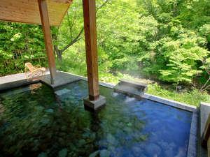 別邸 仙寿庵(せんじゅあん):【露天風呂・ほたるの湯】何度でも入りたくなるほど、心地の良い露天風呂です
