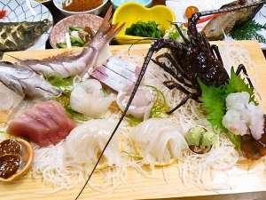 地魚と潮騒の宿 よしのや:伊勢海老又は鮑つき!房総の天然地魚プラン/夕食おさしみ例 (二人前)