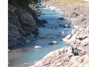 鳴滝バンガロー:日高川