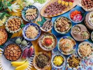 ベッセルホテルカンパーナ沖縄【全室禁煙】:地元沖縄料理もたくさん取り揃えた朝食ビュッフェ♪