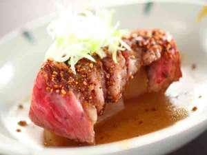温もりの湯宿【カントリーハウス渓山荘】:今日のお肉料理は、信州牛の渓山荘独自ロースト
