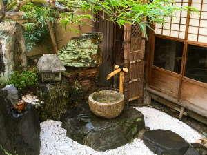 ゲストハウス KETE:四季を楽しめる庭園