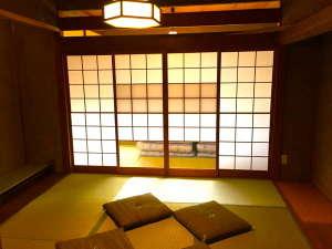 ゲストハウス KETE:大きな和室※お部屋によりインテリアが異なります。