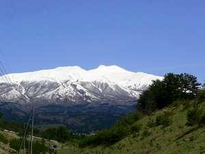 湯ノ田温泉 酒田屋旅館:*日本海と鳥海山を望む、贅沢な眺めをお楽しみ下さい