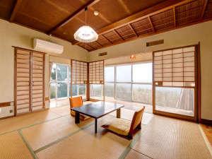 湯ノ田温泉 酒田屋旅館:*【和室】波音で寝入り、波音で目覚める。海沿いの宿ならではの過ごし方。