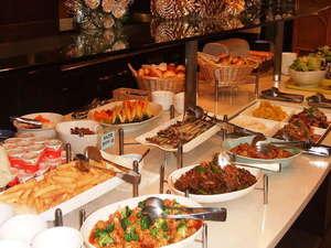 水道橋グランドホテル:◆朝食「和洋中バイキング」(一例)をお召し上がりください。