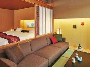 星野リゾート 界 加賀:【客室イメージ】ベッドとソファを配置した快適空間に加賀水引や加賀友禅をあしらいました