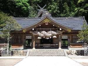八雲温泉ゆうあい熊野館:出雲國一之宮 スサノオノミコトを主神とする熊野大社。当館徒歩1分。