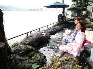 日田温泉 亀山亭ホテル:1階テラスに足湯をこの夏オープンいたしました。