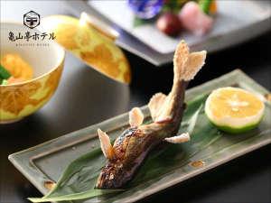 日田温泉 亀山亭ホテル:エノハの塩焼き