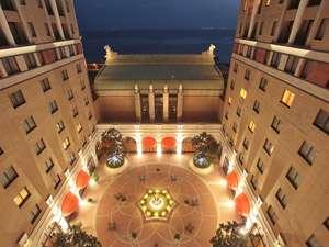 ホテルオークラ東京ベイ:風の吹き抜ける中庭