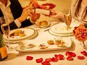 ホテルオークラ東京ベイ:ケーキやシャンパンで記念日をお祝い。種類豊富なアニバーサリーアイテムをご用意しております。