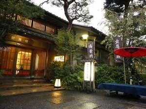 【松風閣】おもむきのある食事処・松風閣玄関。