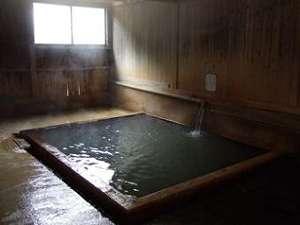 田島本館:【風呂】傷湯・胃腸の湯・神経痛の湯と3種類の泉質を楽しめる。ココロとカラダの疲れを癒すのに最適♪