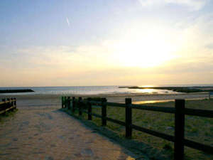 南知多 旅館 二見荘:宿から歩いてすぐです。潮風が心地よいお散歩コース♪