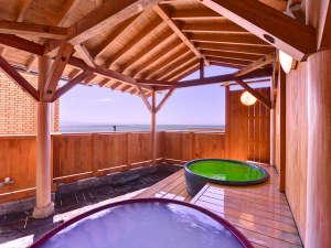南知多 旅館 二見荘:*露天風呂/伊勢湾の内海海岸を一望。潮の香りがとても心地よく、癒しのひと時をお過ごしいただけます。