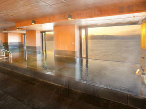 ホテル紅や:>【14F温泉展望浴場】14階から信州の雄大なパノラマが広がります
