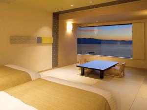 ホテル紅や:>【コンフォートフロア】スタイリッシュ・ベッド和室/夕景