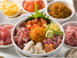 天然温泉プレミアホテル-CABIN-札幌(旧ホテルパコJrススキノ):【朝食】大好評♪勝手丼コーナー
