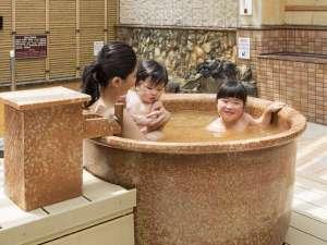 天然温泉プレミアホテル-CABIN-札幌(旧ホテルパコJrススキノ):露天風呂につぼ湯が登場♪みんなで一緒に入ろうね♪