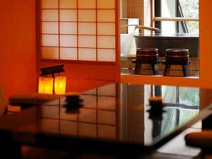 【3種の異なる泉質と四季の郷土料理】美人の湯 瀬美温泉:【萌黄】陶器のお風呂付客室。お風呂に入りながら四季折々の景色が見渡せます。