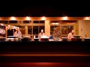 悠の湯 風の季:オープンキッチンからお届け♪