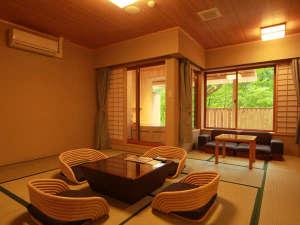 悠の湯 風の季:《露天風呂付和風スイート》ゆったりとした空間で心癒されます。