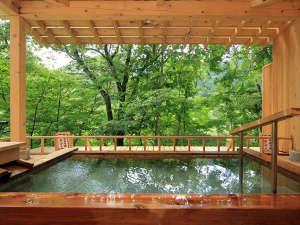 悠の湯 風の季:露天風呂◆かわみの湯◆川のせせらぎを聞きながら心地よい時間を…