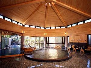 伊豆畑毛温泉 大仙家(HMIホテルグループ):低い温度が特徴の「冷泉」はのぼせずじっくり浸れます。