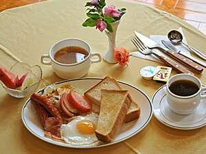 ホテルロータスハウス:ロータスの朝ごはんは洋食で♪和食も好評です