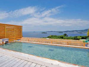 天空海遊の宿 末広:天空露天風呂【天音の湯】では三河湾の絶景を眺めながらのご入浴をお楽しみ頂けます。